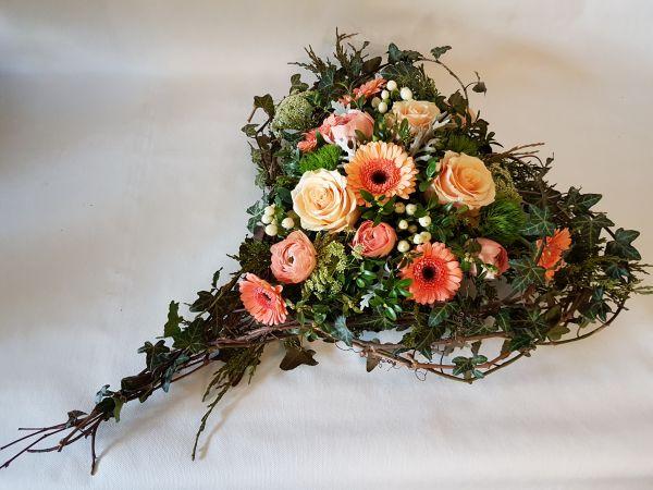 Trauerherz Frisches Grabgesteck zum Versenden
