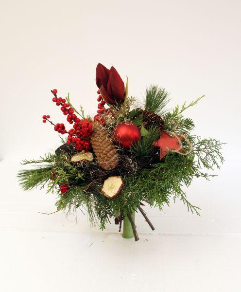 Adventsstrauß mit Amarylles typische frischen Blume in der Weihnachtszeit