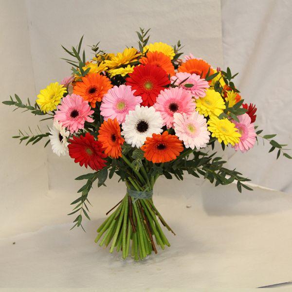 Blumenstrauß mit bunten Gerberas