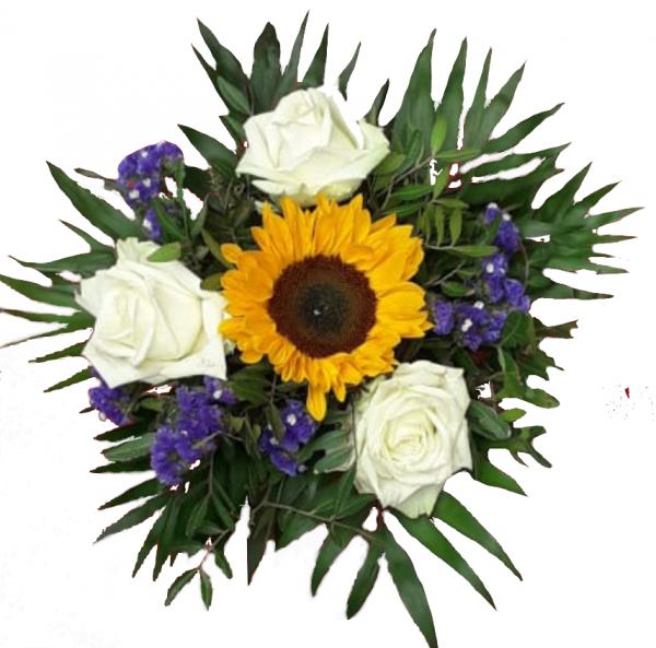 Blumenstrauß mit Sonnenblume und weiße Rosen