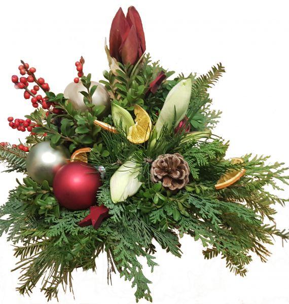 weihnachtlicher Blumenstrauß weiße und rote Amaryllis frisches Grün Weihnachtsdeko weiß rot zum Advent zu Weihnachten