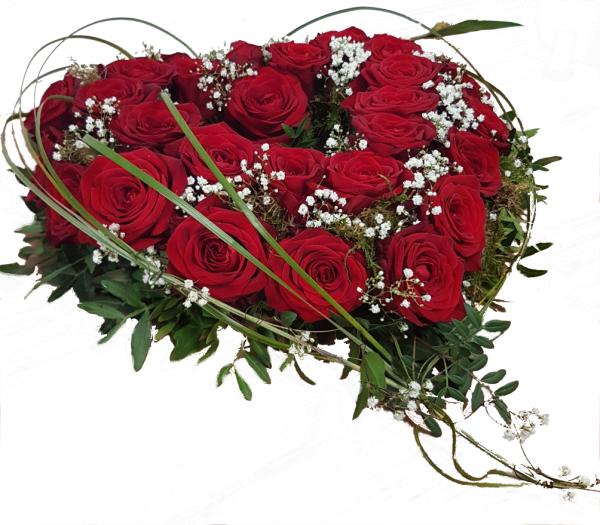 Blumiges Herz aus Rosen