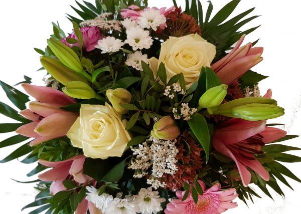 Blumengruß mit Lilien Lieferung am Folgetag ,,Blütenzauber,,