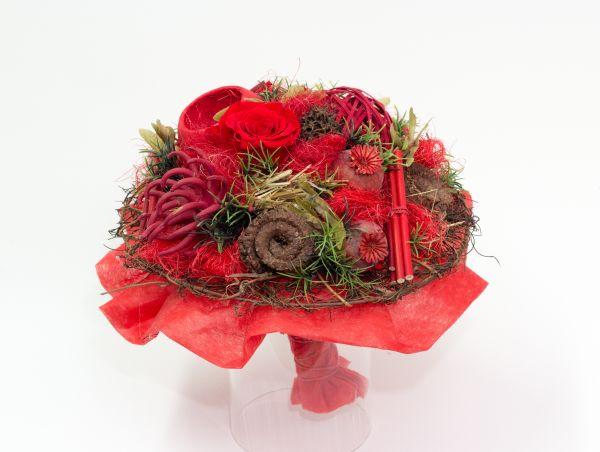 Trockenstrauß in rot, mit Gefriergetrockneten rosen und Trockenblumen - ewige Zuneigung
