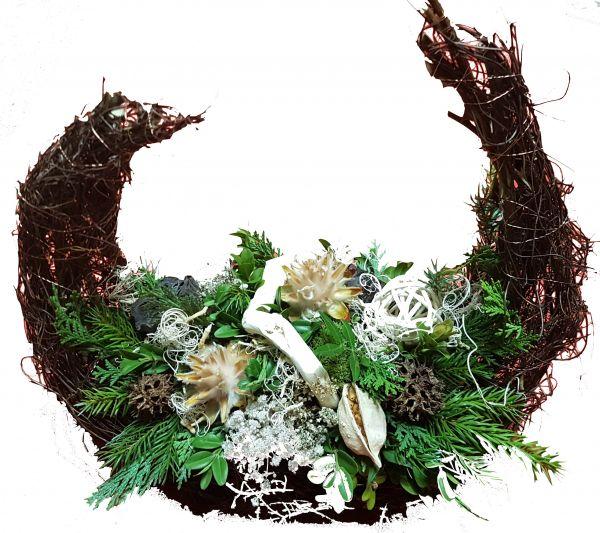 Gesteck Friedhof Totensonntag Allerheiligen frisches Grün natürliche Deko