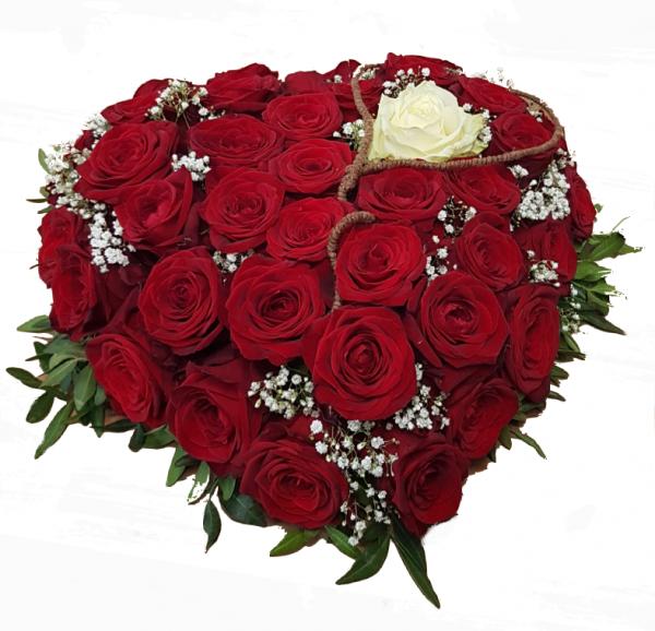 Blumiges Herz in Rot / Weiß mit Rosen