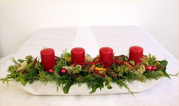 Modernes und Handgefertigtes Adventsgesteck