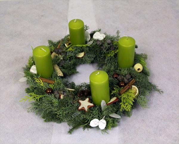 Adventskranz Moderne Farbe in Grün