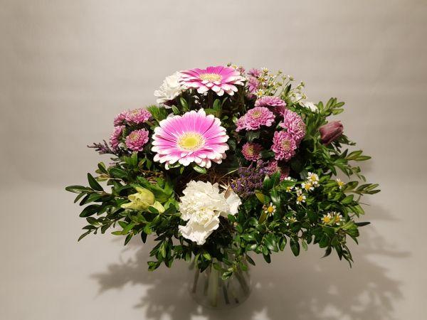 Blumenstrauß für eine Frau jetzt bei www.flora-trans.de bestellen