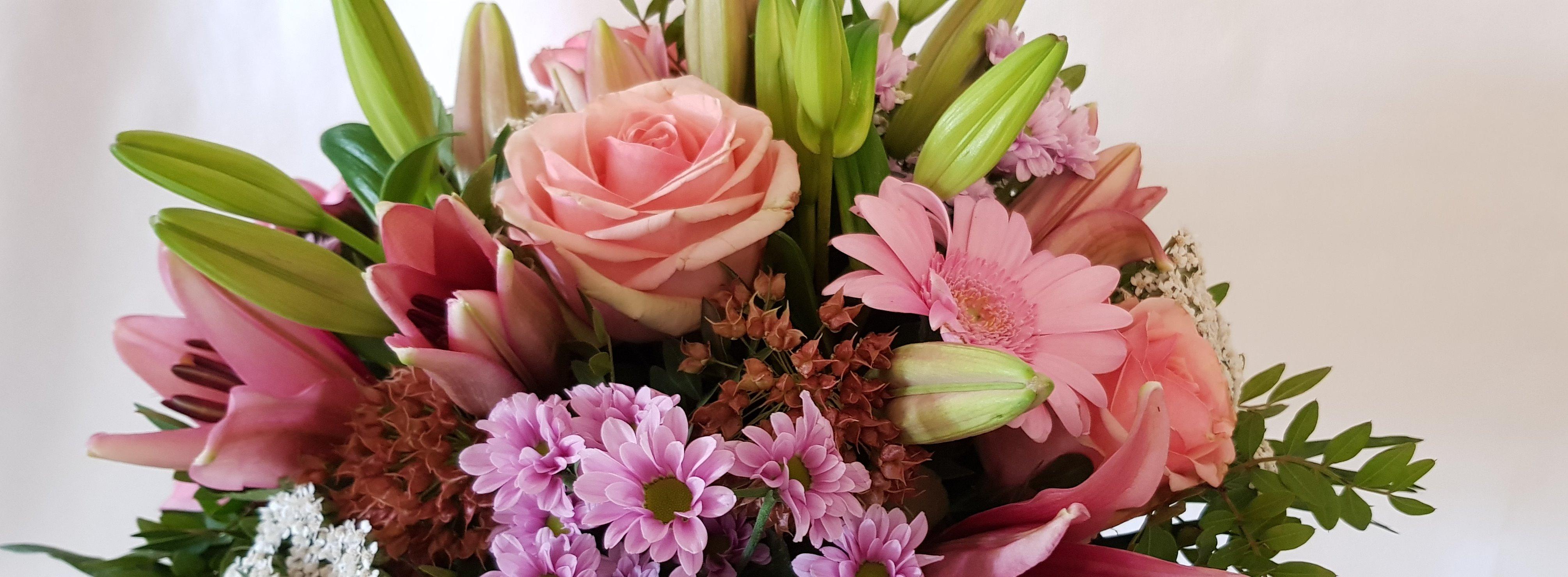 kompakter Blumenstrauß