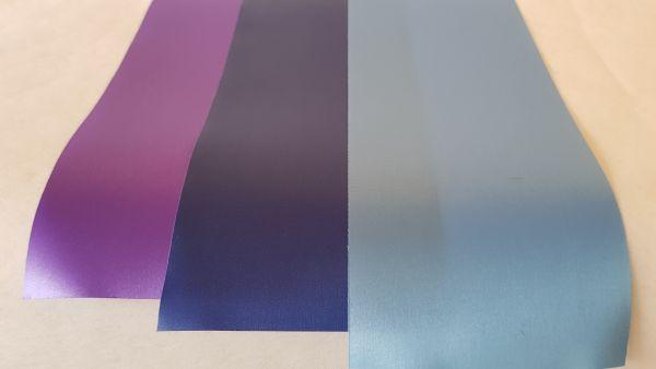 """Trauerschleife in den Farben Lila/Dunkelblau/Blau mit Text - """"Worte der Anteilnahme"""""""