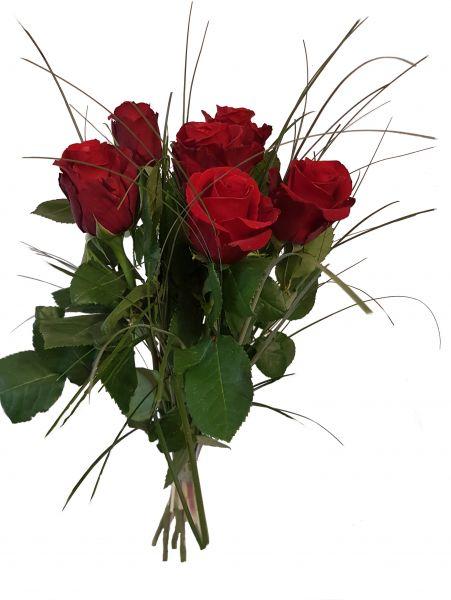 Blumenstrauß mit roten Rosen