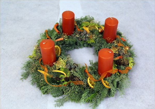 Adventskranz mit 4 Kerzen in Orange