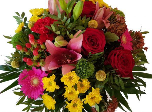 bunter Blumenstrauß mit roten Rosen ,,Bunte Liebe,,