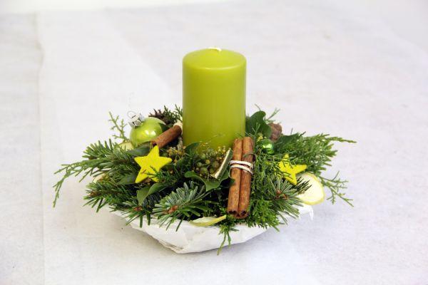 Adventsgesteck Es grünt so grün