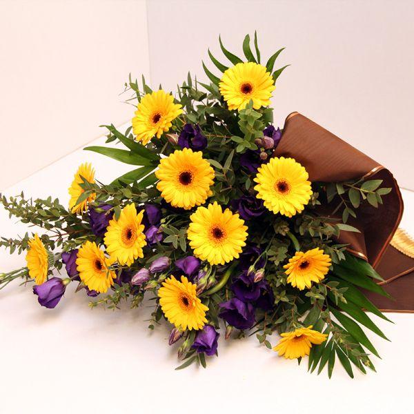Grabstrauß für Beerdigung oder zum Sterbetag für den Friedhof